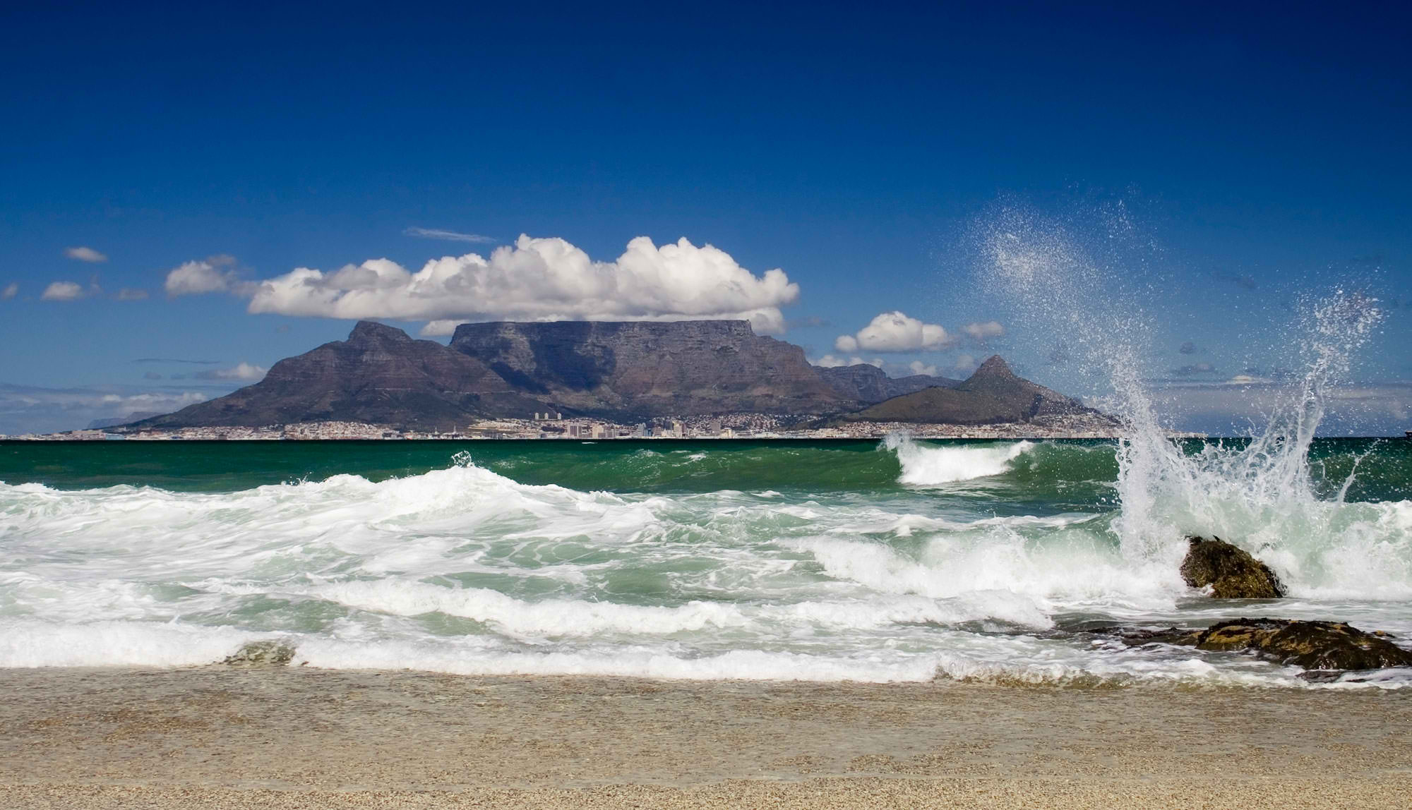 Things to Do in Bloubergstrand